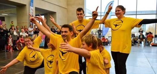 Gruppenbild Paloma del Sol gelbe T-Shirts